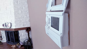 termostat na ścianie