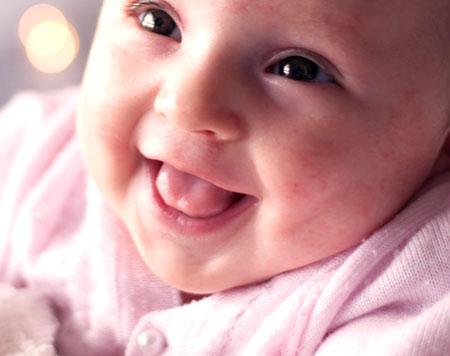 Ile i jakie posiłki należy podawać niemowlęciu rozszerzając jego dietę? Sprawdź