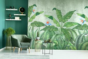 pokój z zieloną fototapetą z liśćmi bananowca